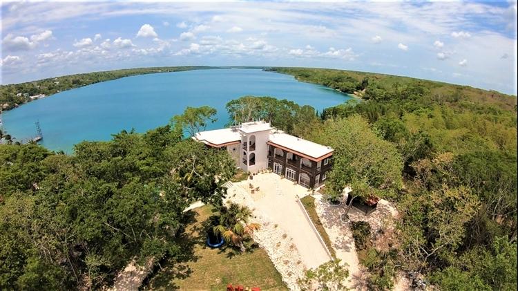 bacalar lakeside huge land - 13